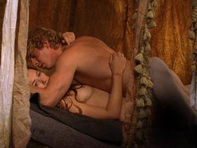 Александра Нелдель голая — Странствующая блудница (2010)