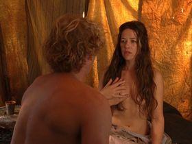 Александра Нелдель голая — Странствующая блудница (2010) #2