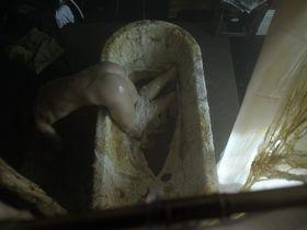 Натали Дормер голая — Призраки s01 (2010)