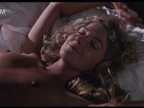 Наташа Ричардсон голая - Утешение чужаков (1990)