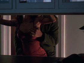 Холли Берри секси - Идеальный незнакомец (2007)