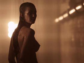 Танит Феникс голая - Смертельная гонка 3: Ад (2013)