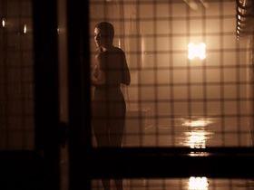 Танит Феникс голая - Смертельная гонка 3: Ад (2013) #2