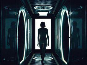 Шейлин Вудли голая - Дивергент, глава 3: За стеной (2016)