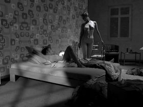 Луизе Хейер голая - Закалка (2015)