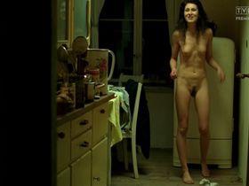Агнешка Гроховска голая, Моника Радзивон голая - Не оставляй меня (2009)