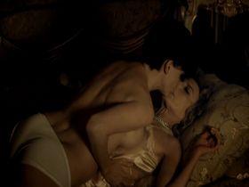 Мариса Паредес голая, Арли Жовер голая, Лу Дуайон секси - Жигола (2010)