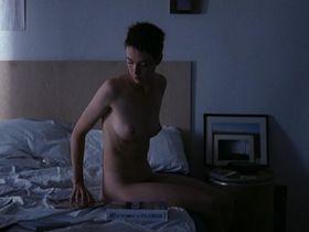 Урсина Ларди голая - Моя медленная жизнь (2001)