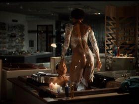 Синда Уильямс голая - Wet (1996)