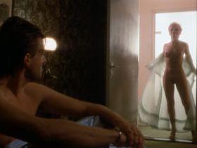 Рене Саутендейк голая - Четвертый мужчина (1983)