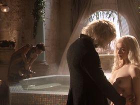 Эмилия Кларк голая - Игра престолов s01 (2011) #3