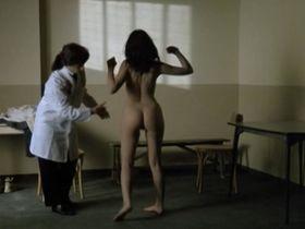 Эммануэль Беар голая - Дети беспорядка (1989)
