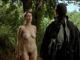 Рената Данцевич голая - Дьявольское образование (1995)