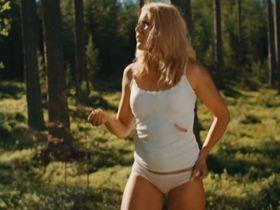 Мадлен Борг голая — Американский бургер (2014) #3