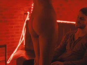 Мати Диоп голая — Саймон-убийца (2012)