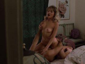 Барбара Крэмптон голая, Бринк Стивенс голая - Подставное тело (1984)