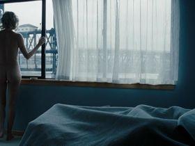 Шарлиз Терон голая — Пылающая равнина (2008)