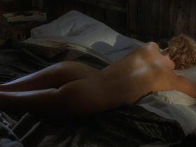 Шарлиз Терон голая — Правила виноделов (1999)