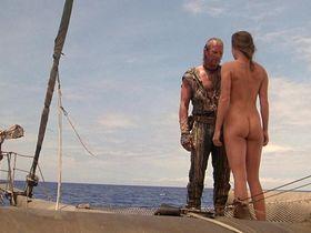 Джинн Трипплхорн голая — Водный мир (1995)