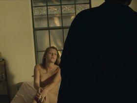 Эмили Пирс голая - Cliff (2013)