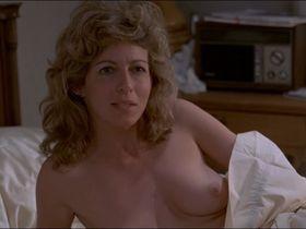 ДжоБет Уильямс голая, Джулия Дженнингс голая - Учителя (1984)