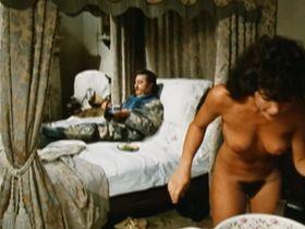 Каролин Берг голая — Маркиз дель Грилло (1981)