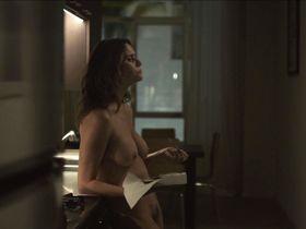 Эми Ландекер голая - Очевидное s02e04 (2015)