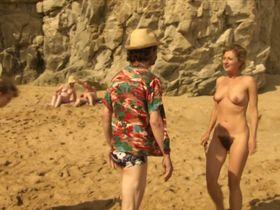 Сандрин Бодене голая — Каникулы на море (2011)