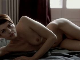 Жюли Гайе голая, Натали Ришар голая, Клои Мон голая, Marie Saint-Dizier голая - Смешение жанров (2000)