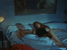 Сесиль Вассор голая — Вечеринка удовольствий (1975) #3