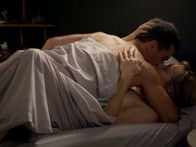 Мишель Лэнстоун секси, Ферн Сазерленд голая - Всемогущие Джонсоны s03e13 (2013)