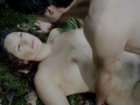 Tessie Herrasti голая - La Marche du Monde (2013)
