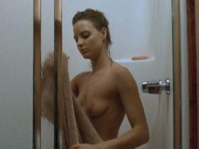 Джоди Фостер голая - Обратный след (1990)