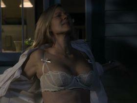 Лора Линни голая, Синтия Никсон голая - Большая буква «Р» s01-02 (2010-2011)