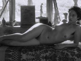 Аида Фольч голая - Художник и натурщица (2012)