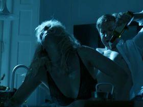 Энн Софи Эсперсен секси, Камилла Готтлиб секси - Встреча выпускников 2: Похороны (2014) #3