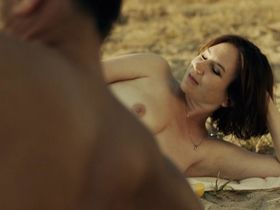 Анна Гризебах голая - Яркая ночь (2015) #2