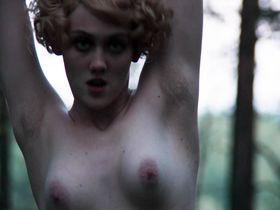 Полина Ауг голая - Ангелы революции (2014) #1