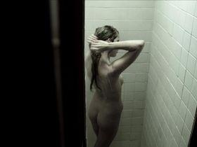 Эмили Крайтон голая - Девочки бикини на льду (2013) #2