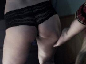 Чести Бальестерос голая - Ночная бригада (2015)