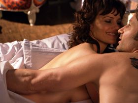Карла Гуджино секси - Блудливая Калифорния s04e07 (2011) #1