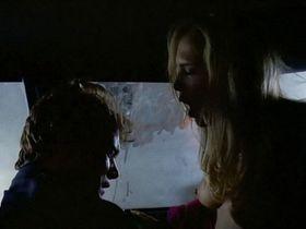 Шерри Роуз голая - Незаконное вторжение (1992)