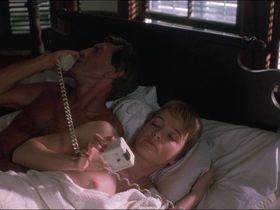 Карен Янг голая - Ночная игра (1989) #2