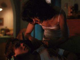 Дженнифер Билз голая - Кровь и бетон (1991) #1