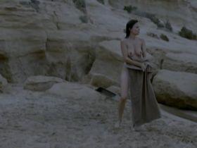 Елена Анайя голая - Вдали от моря (2015)