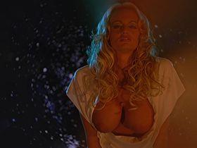 Сторми голая - Сорокалетний девственник (2005)