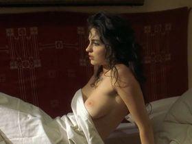 Эрика Марожан голая - Мрачное воскресенье (1999)