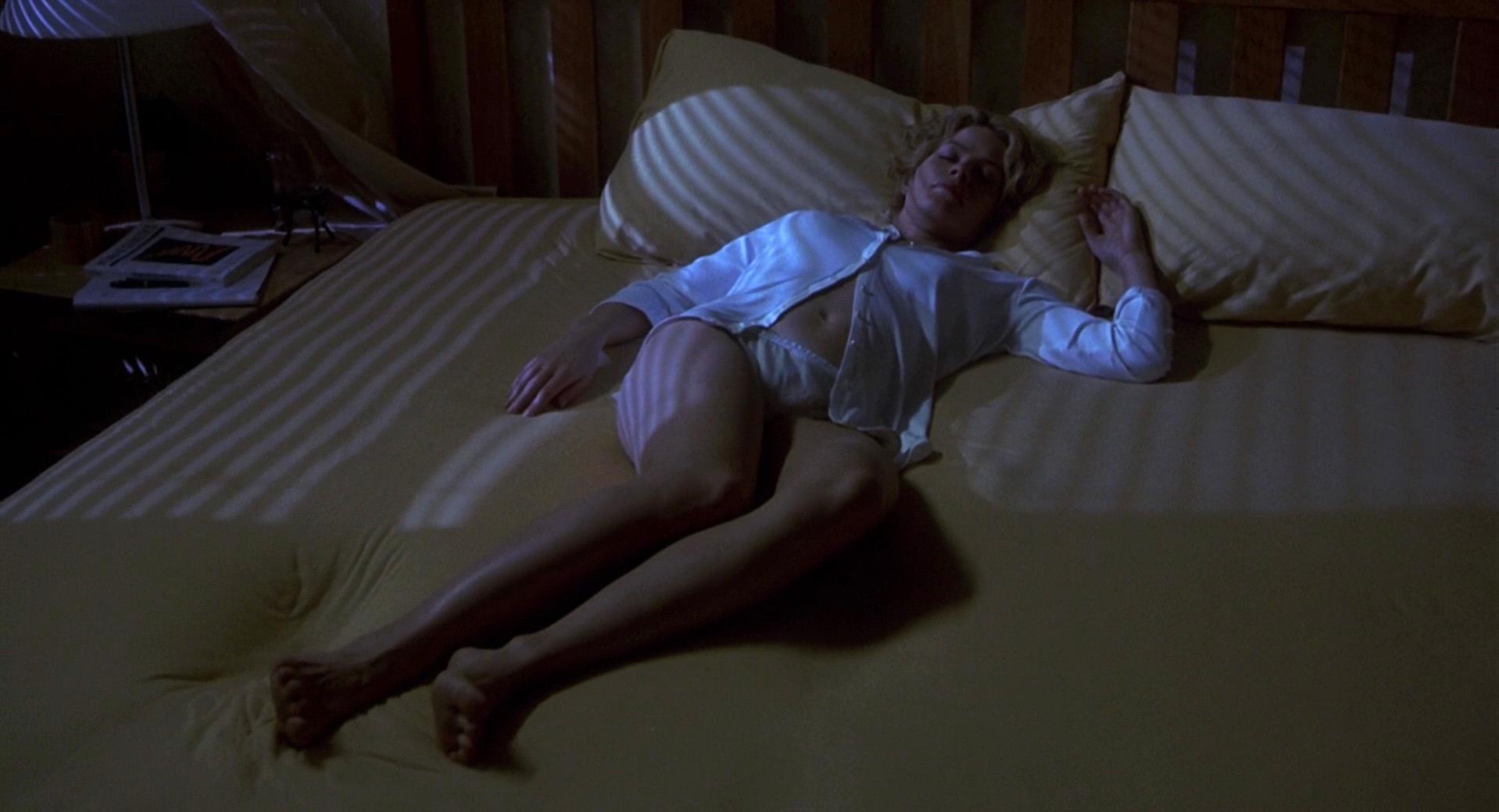 eroticheskiy-film-nevidimka-seks-dose-na-porno-aktris