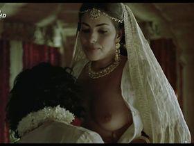 Сарита Чоудри голая - Кама Сутра: История любви (1996)