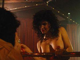 Пола Трики голая — Маньяк-полицейский 2 (1990)